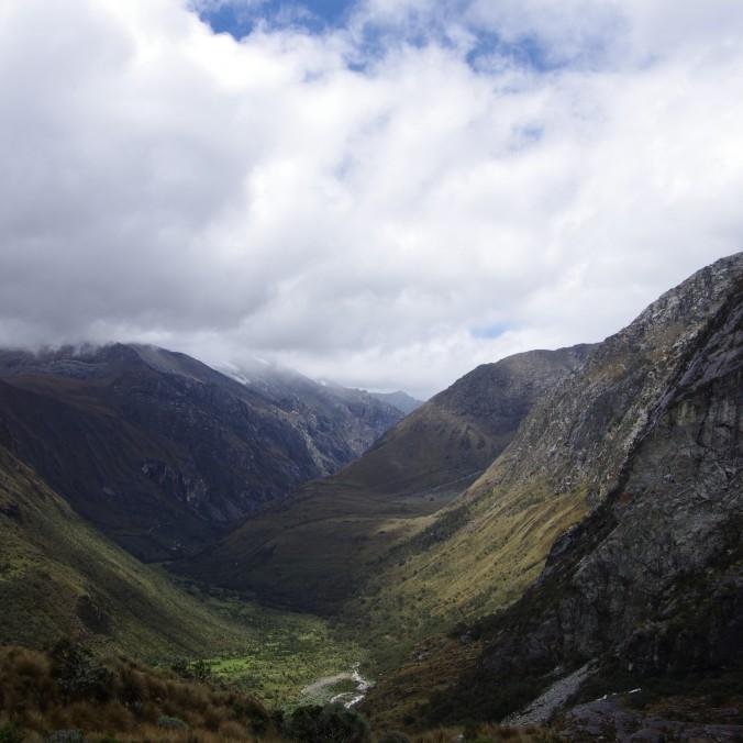 Vue de la vallée dans le parc Huascaran