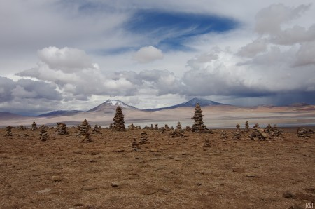 Partout en Amérique du sud, les pierres empilées sont autant de prières...